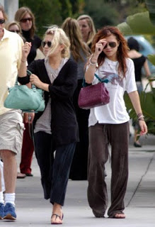Shopping_in_Los_Angeles__August_18__2004